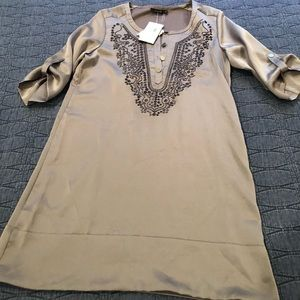 Dress/tunic 3/4 button sleeve w/ embroidery